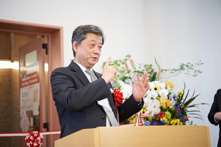 潮田洋一郎氏(株式会社LIXILグループ取締役会議長)